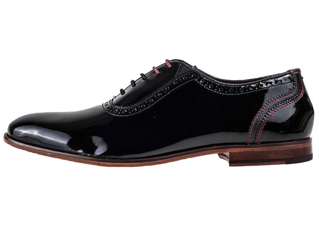 Ted Baker Anice Brogue Shoes In Black thumbnail