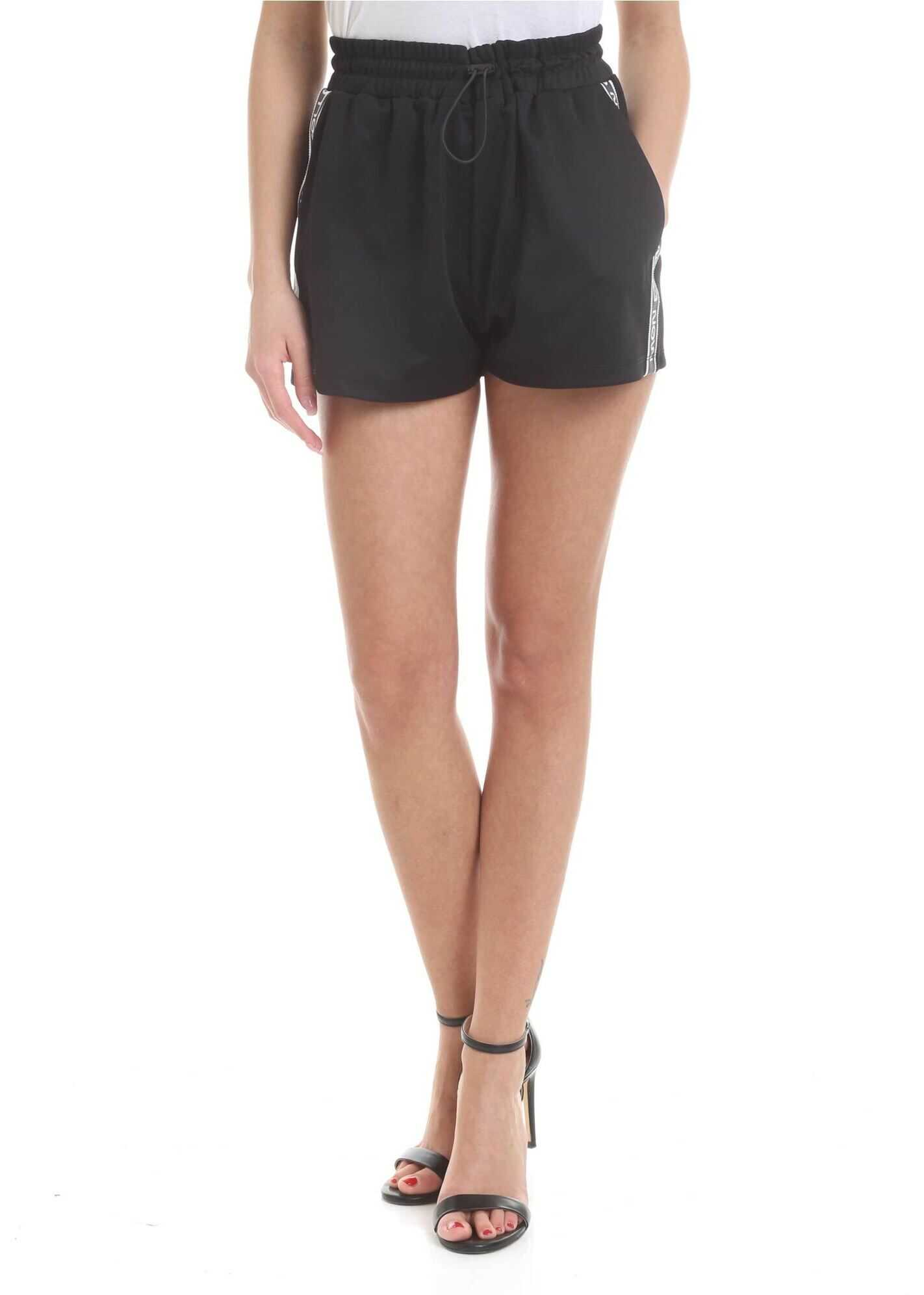 Follow Me Now Shorts In Black