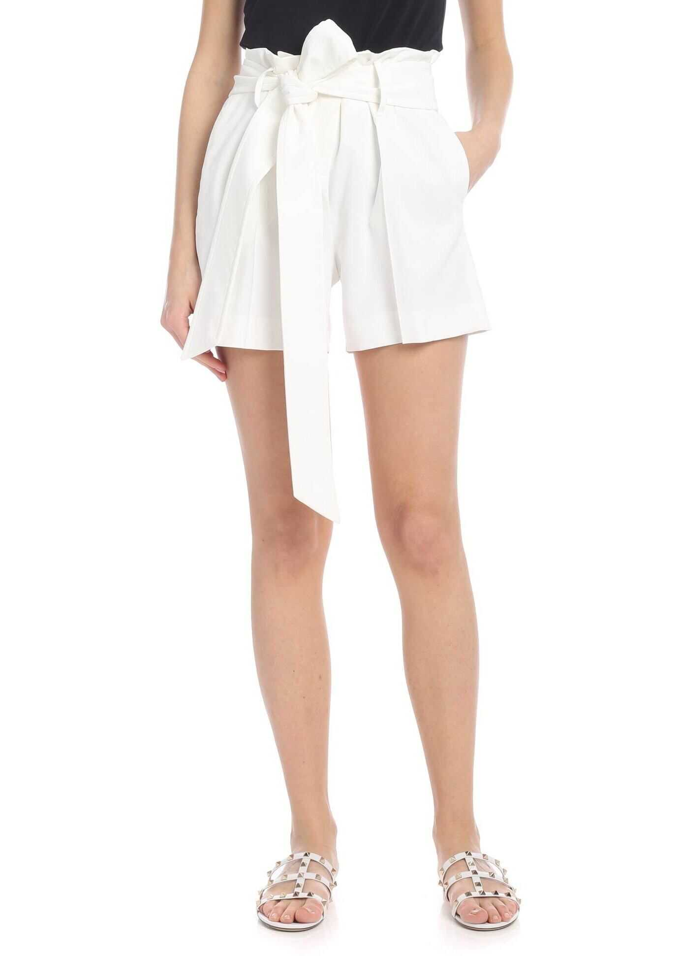 Shorts In White With Waist Strap