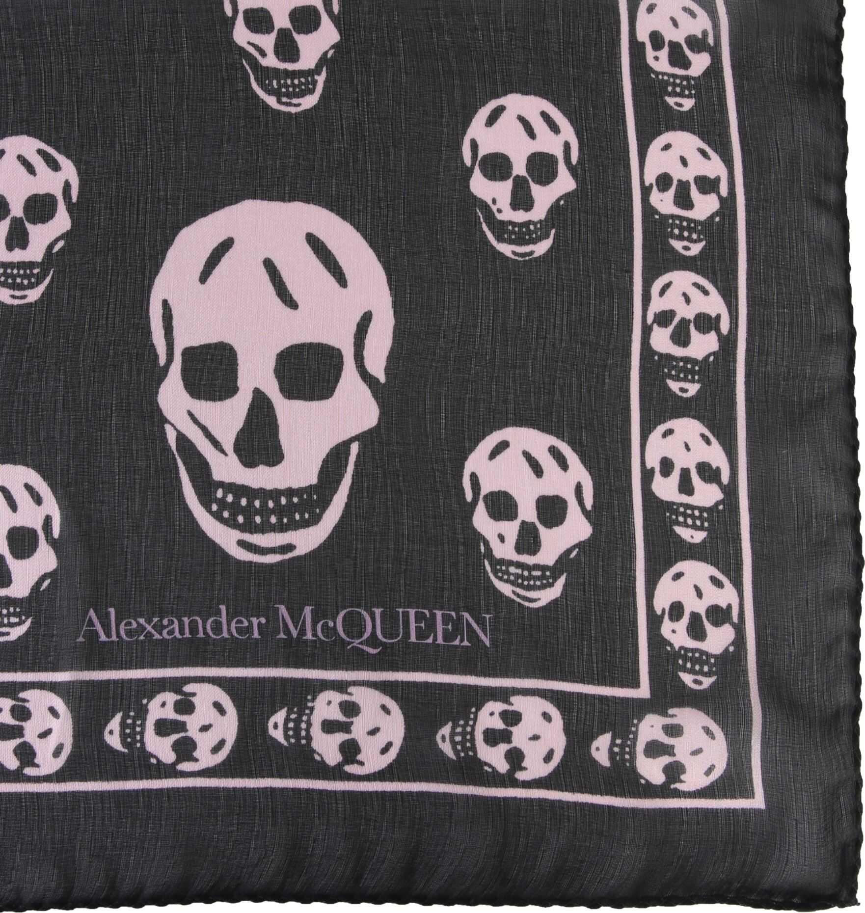 Alexander McQueen Classic Skull Scarf BLACK