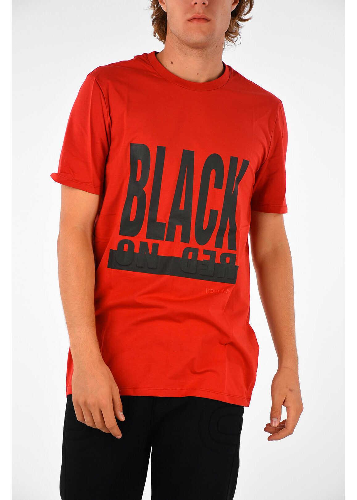 T-shirt Black On Red