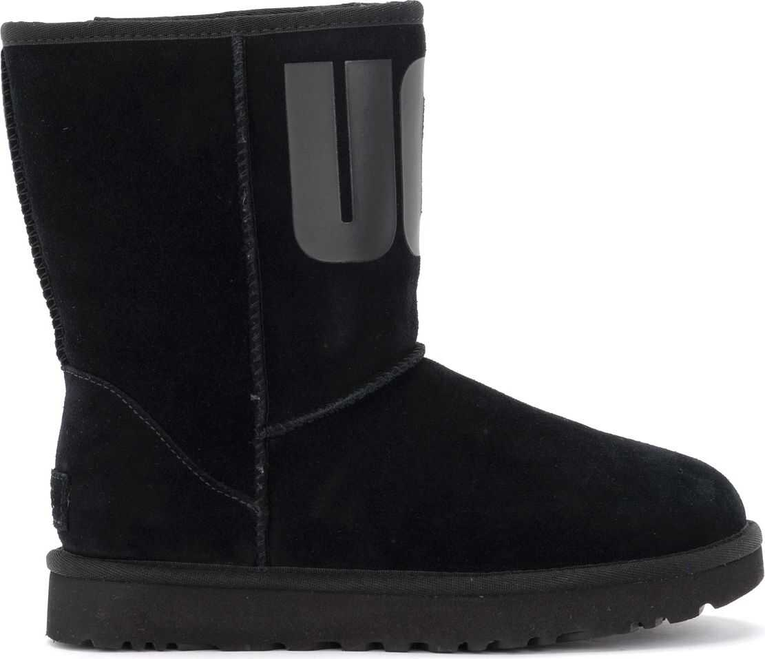 Stivaletto Ugg Classic Short Rubber Logo In Pelle Scamosciata thumbnail