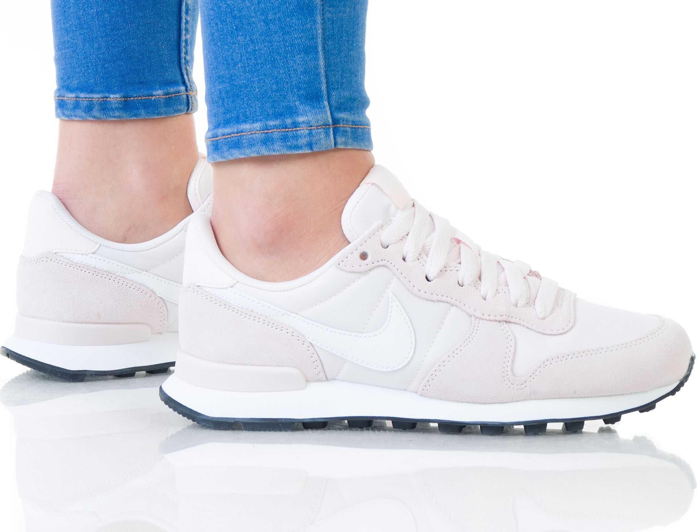 Nike Wmns Internationalist Roz