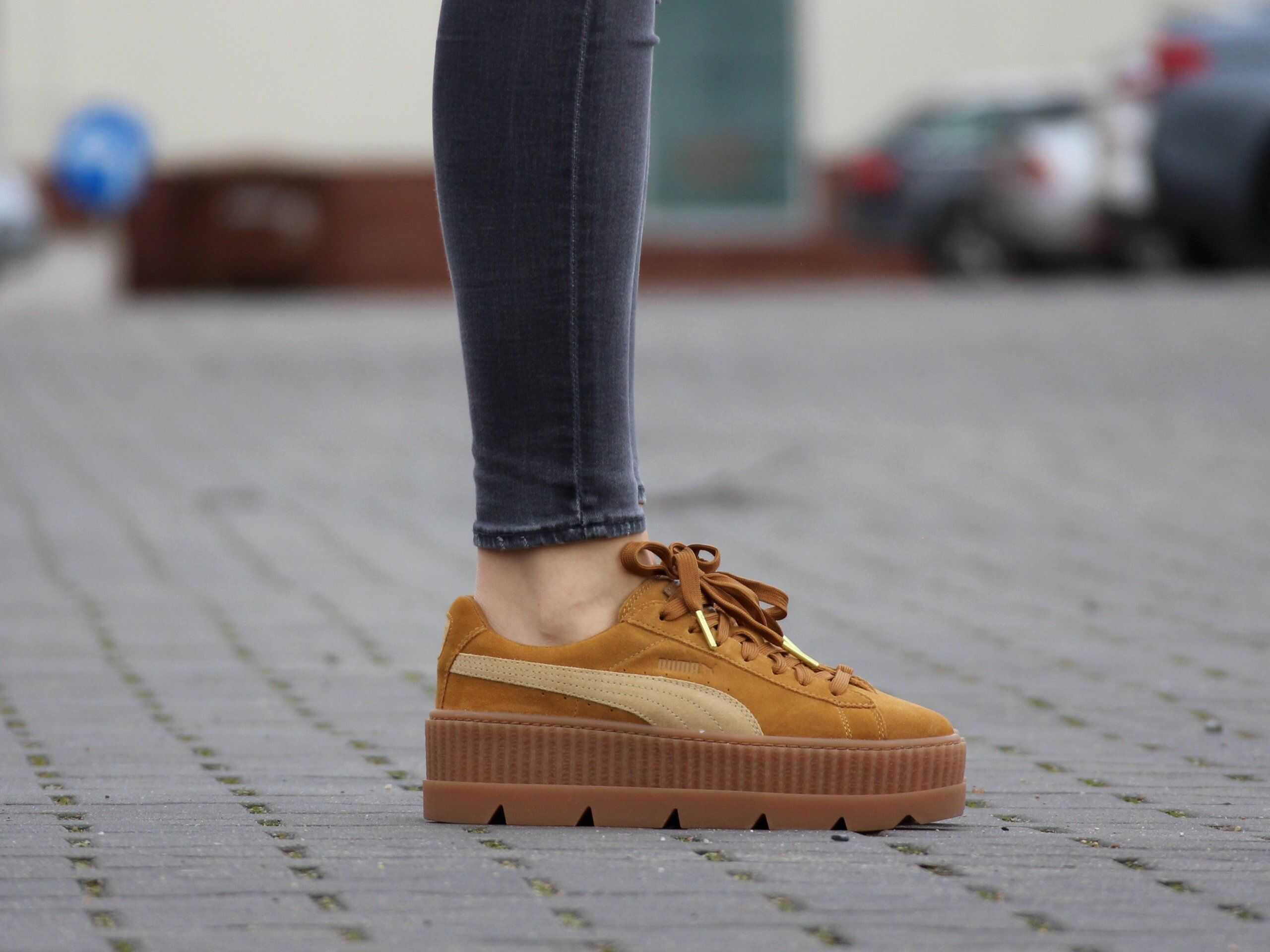 PUMA Cleated Creeper Suede WN'S (366268-02) BEŻOWY